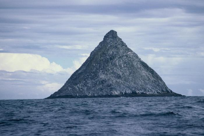 The Pyramid, south of Pit Island