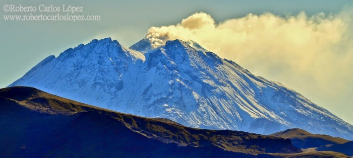 Bezymianny volcano from the southern part in 2013. Photo by Roberto C. Lopez (www.robertocarloslopez.com)