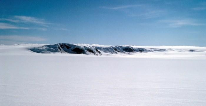 The GPS-station Nunatak.