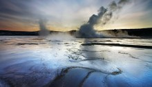 his wonderful image of a thermal field in Reykjanes was honestly stolen from Snorri Gunnarssons page www.iceland-phototours.com