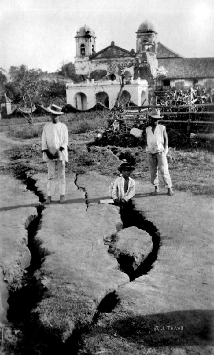 Fissures Taal eruption 1911
