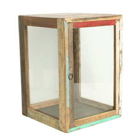 Scrapwood showcase, vitriini