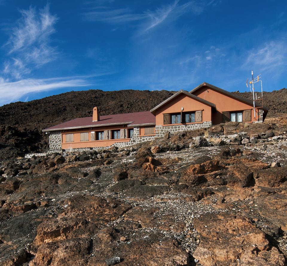 Schronisko Altavista w drodze na szczyt wulkanu Teide.
