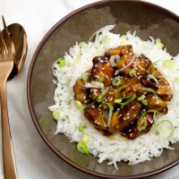 Oosterse kip met rijst