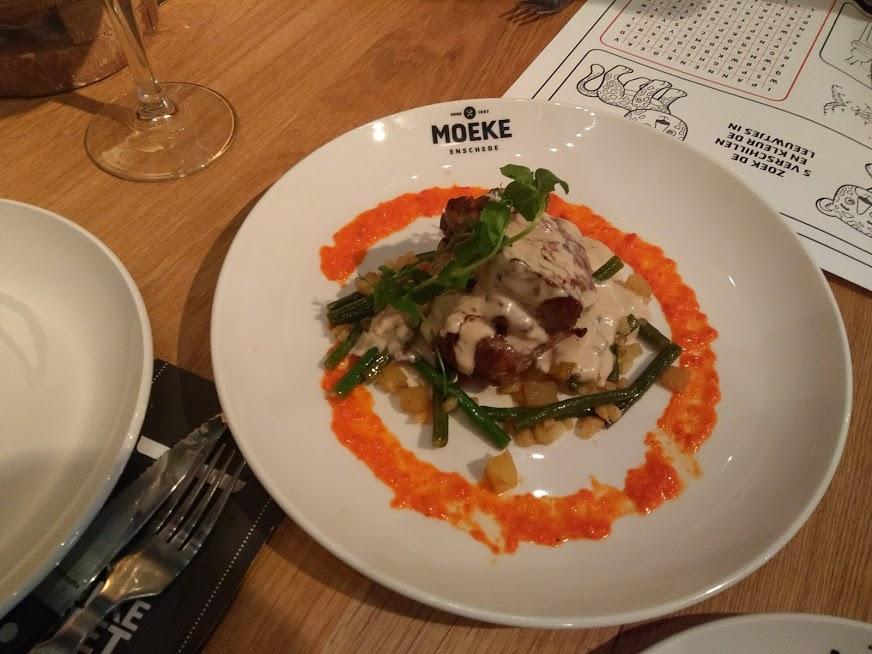 Moeke Enschede met kinderen - Grand Café