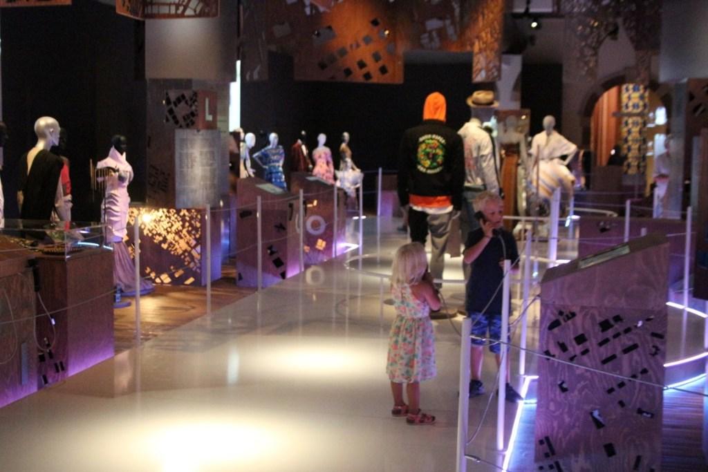 tropenmuseum-fashion-cities