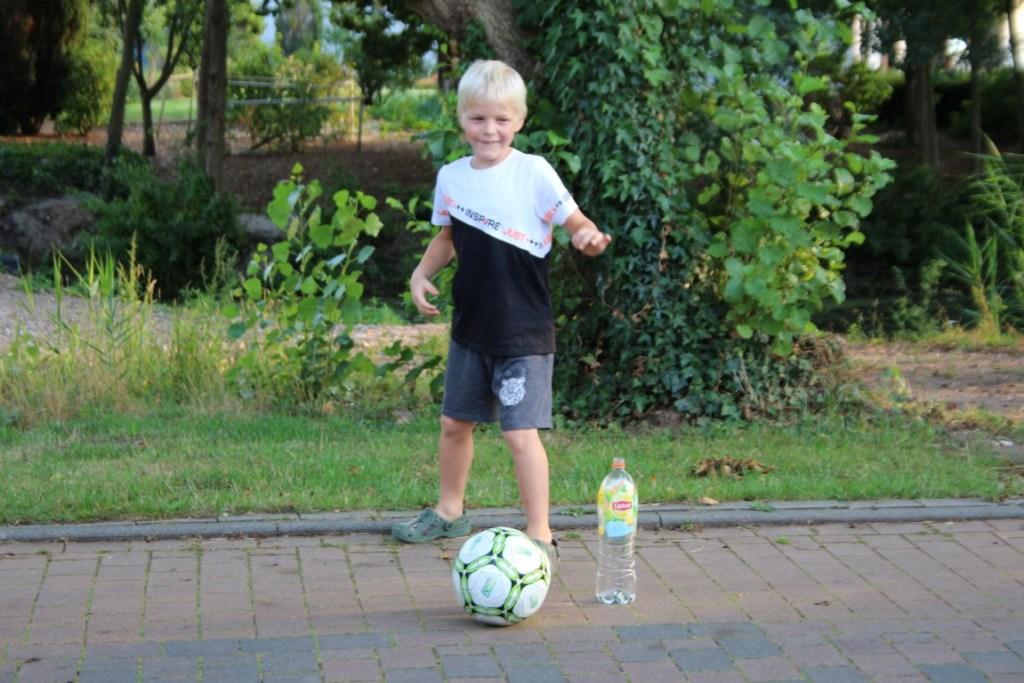 flessenvoetbal-spelregels-waterspelletjes