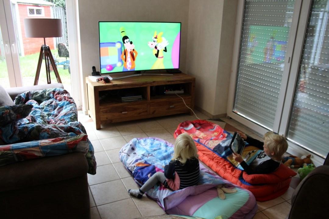 Spiksplinternieuw Slaapfeestje organiseren voor kinderen; slapen in de woonkamer! RM-32