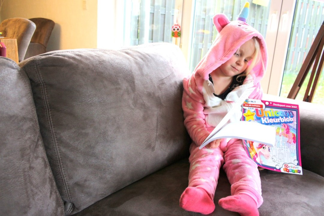 eenhoorn-cadeaus-voor-kinderen-onesie-speelgoed-cadeautips