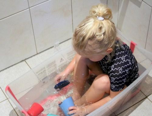 stokke-badspeelgoed-flexi-cups-toys-bath