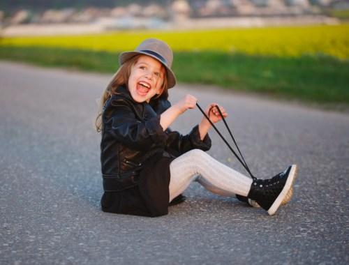 Kinderen-veters-leren-strikken-leuke-manier