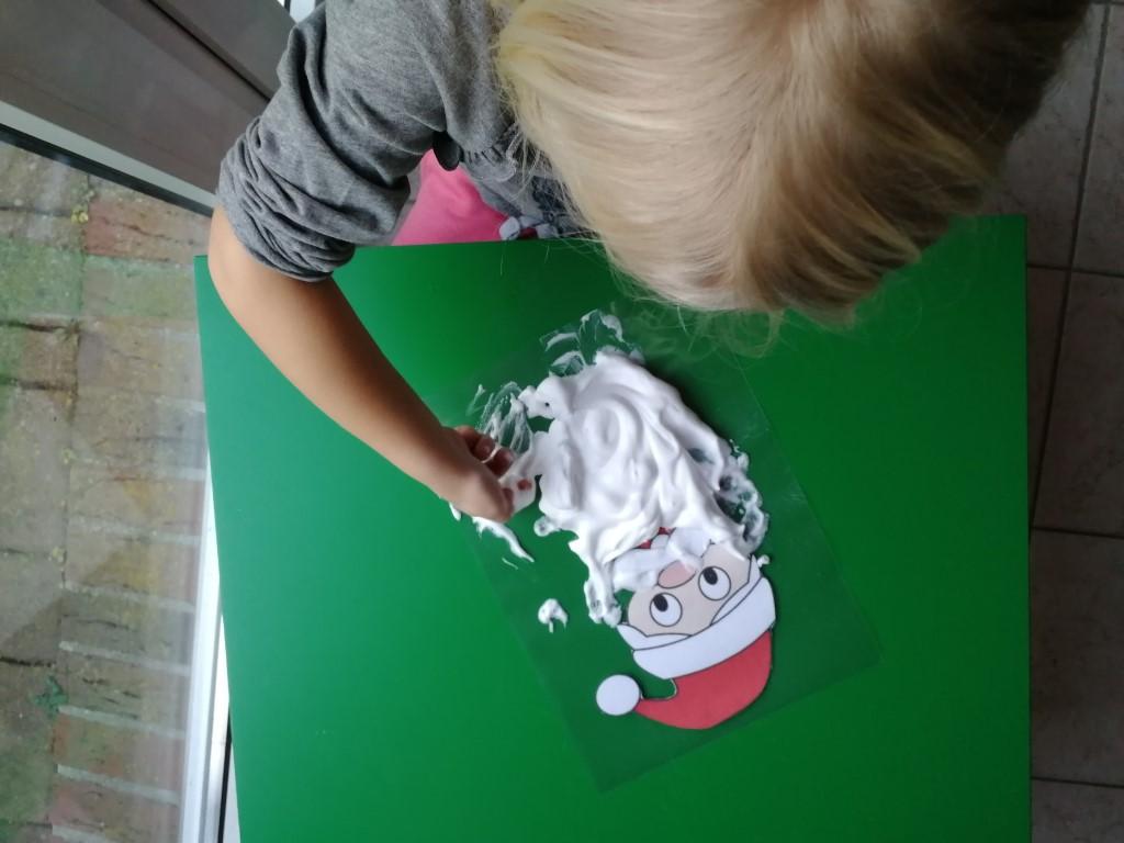 Kerstman Baard met Scheerschuim knutselen spelen motorisch spel