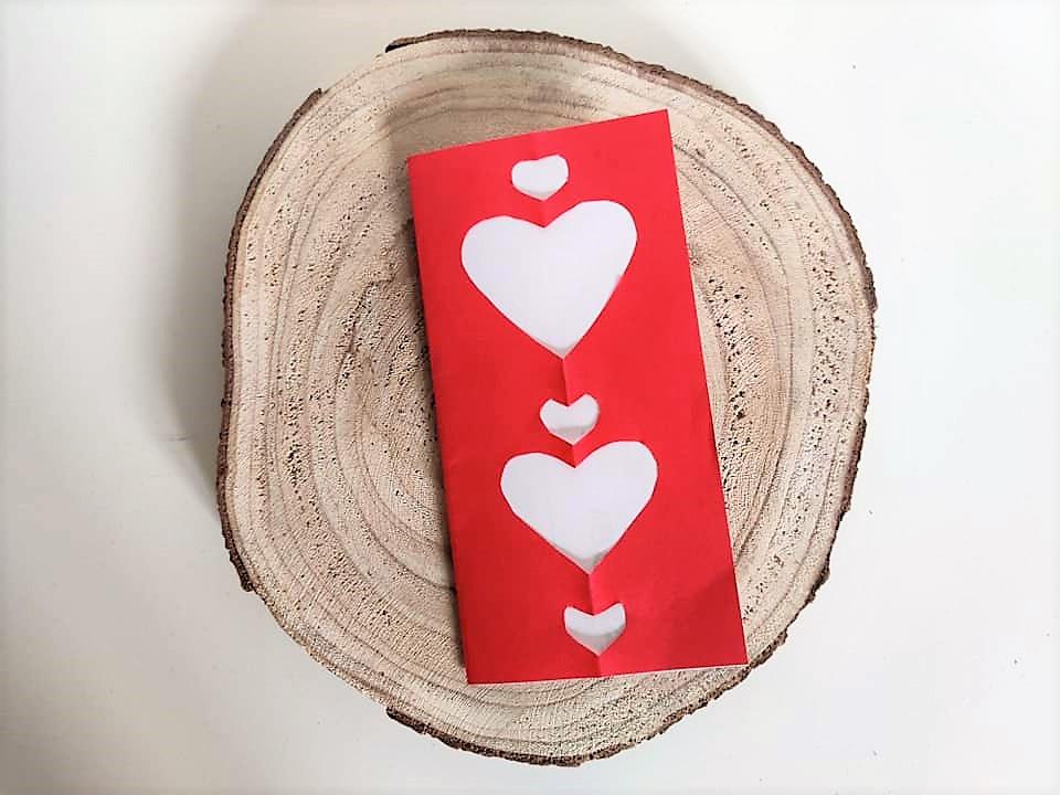 Valentijnskaart maken met kinderen vouwen knutselen