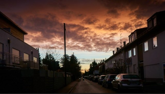 Gewitterwolken im Sonnenaufgang
