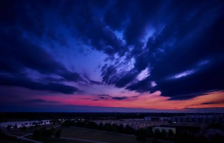 Langzeitbelichtung von Wolken über München