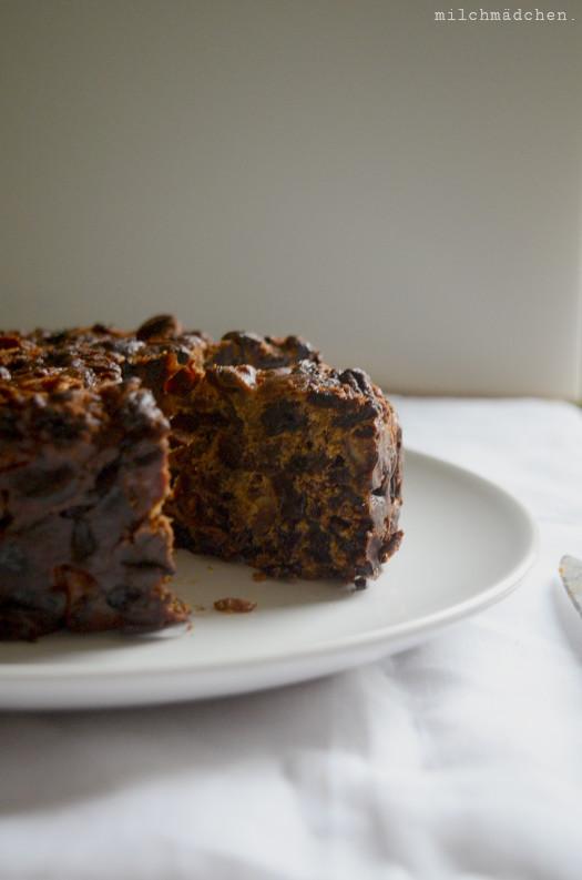Amaretto-Früchtekuchen / Christmas Cake | milchmädchen.