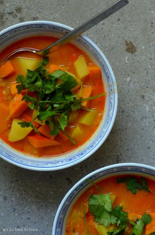 Kürbis-Kartoffel-Curry mit Linsen | milchmädchen.