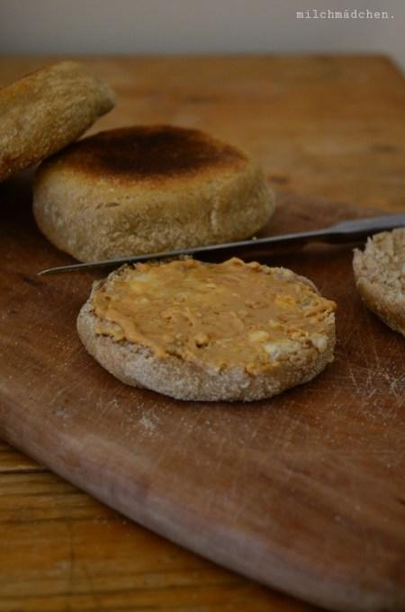 English Muffins mit zweierlei Sauerteig und Kartoffeln | milchmädchen.