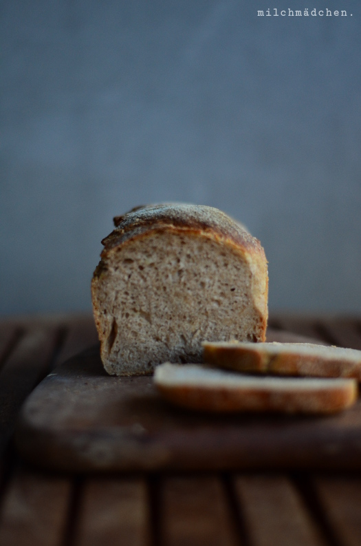 Sourdough English Muffin Sandwich Bread | milchmädchen.