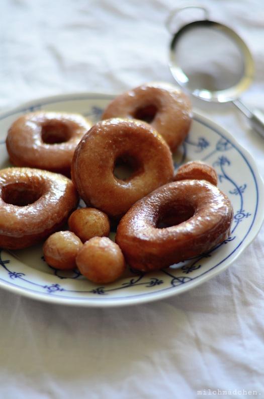Sourdough Discard Doughnuts | milchmädchen.