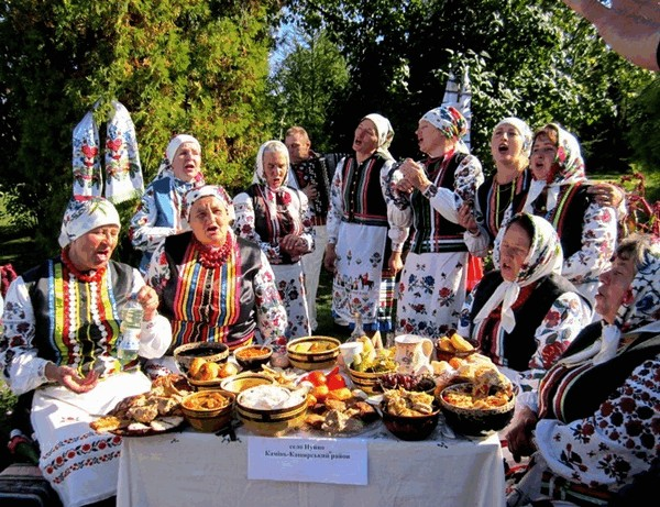 """Святкові миті фестивалю """"Український коровай-сузір'я"""""""