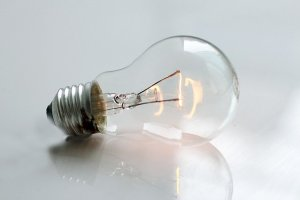 AC DC and Filament of an electric bulb