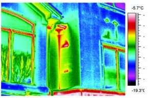Volunteer Mold Knoxville Thermographic Image of the exterior of a home with water leaks in the exterior wall.
