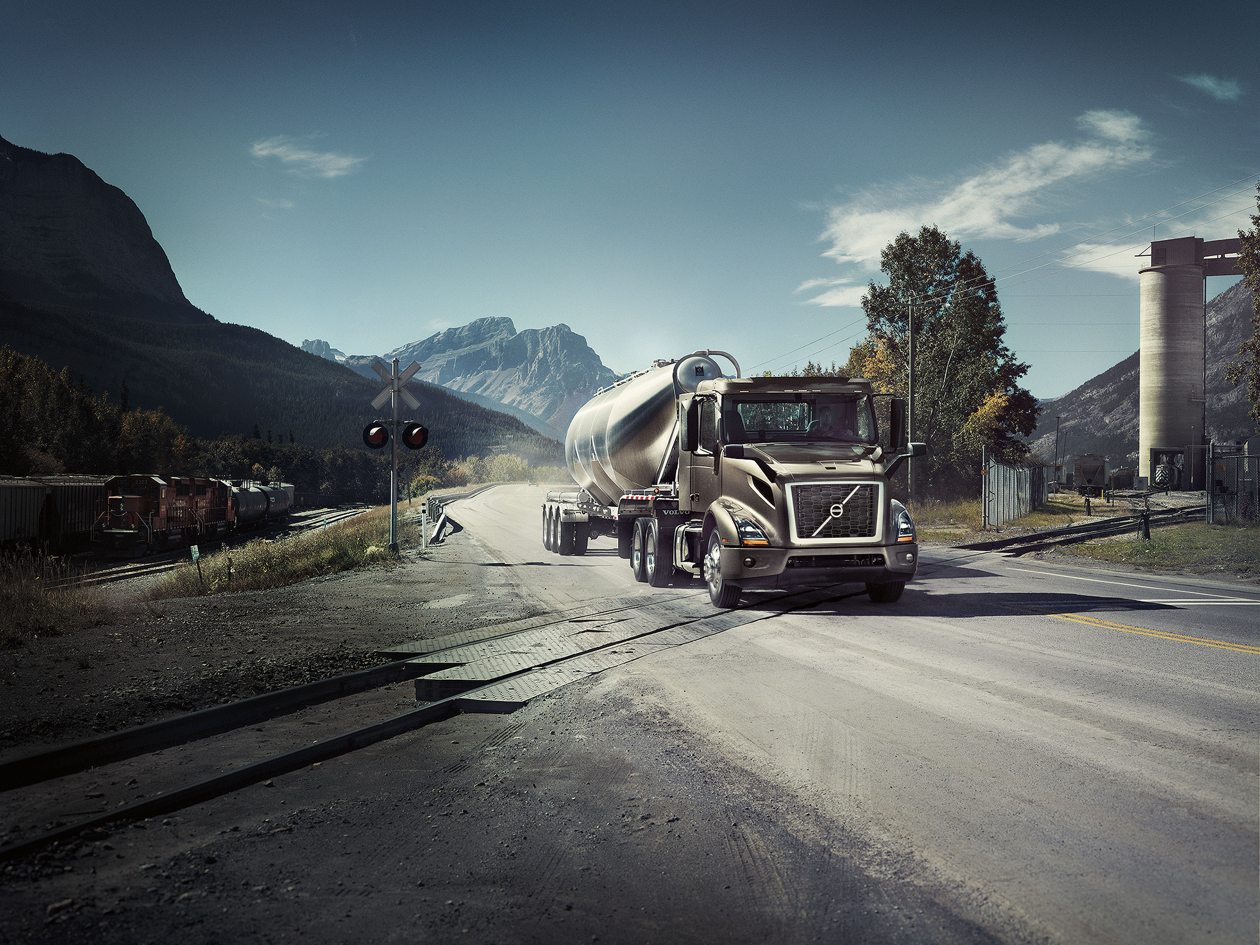the new volvo vnr [ 2048 x 1536 Pixel ]
