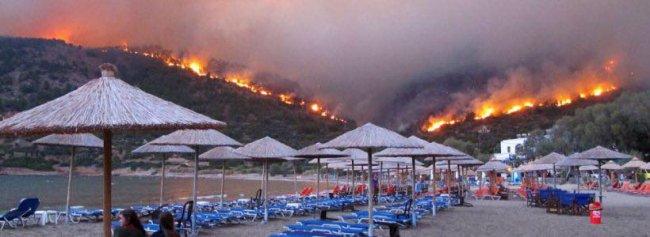 Картинки по запросу пожежа в Греції фото