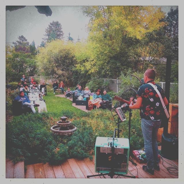 Yard concert photo