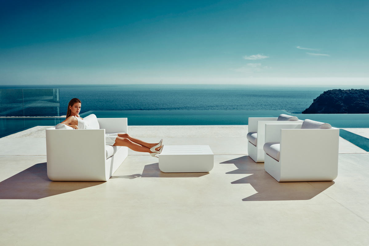 outdoor high table and chair set the posture ulm - vondom