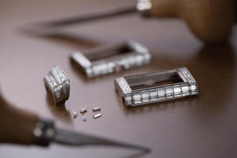 VONsociety: Reverso One, Jaeger-LeCoultre, Godrons mit Diamanten im Baguetteschliff