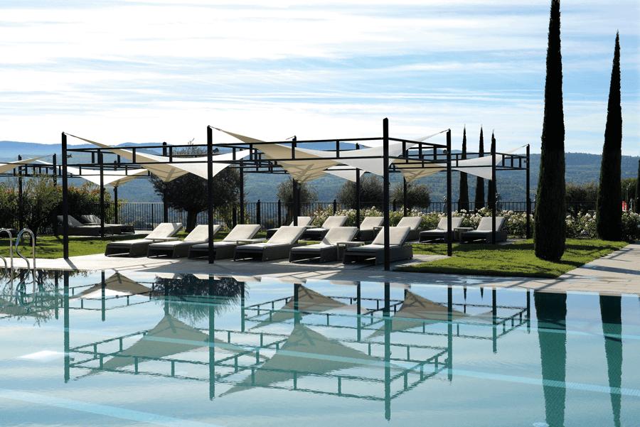 VONsociety: Coquillade, Pool © Jerime-mondiaere