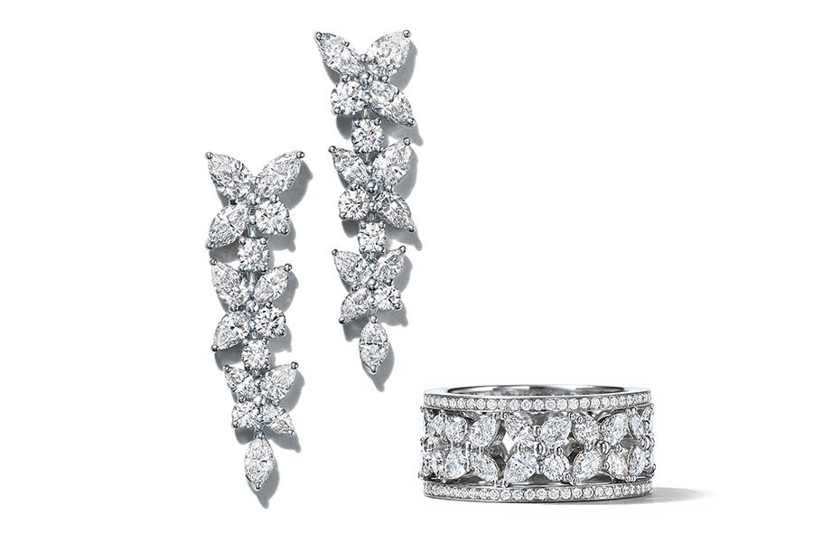 VONsociety: hochkarätige Schmuckstücke, Tiffany Victoria Collection, Ohrringe und Ring mit Diamanten © Tiffany & Co