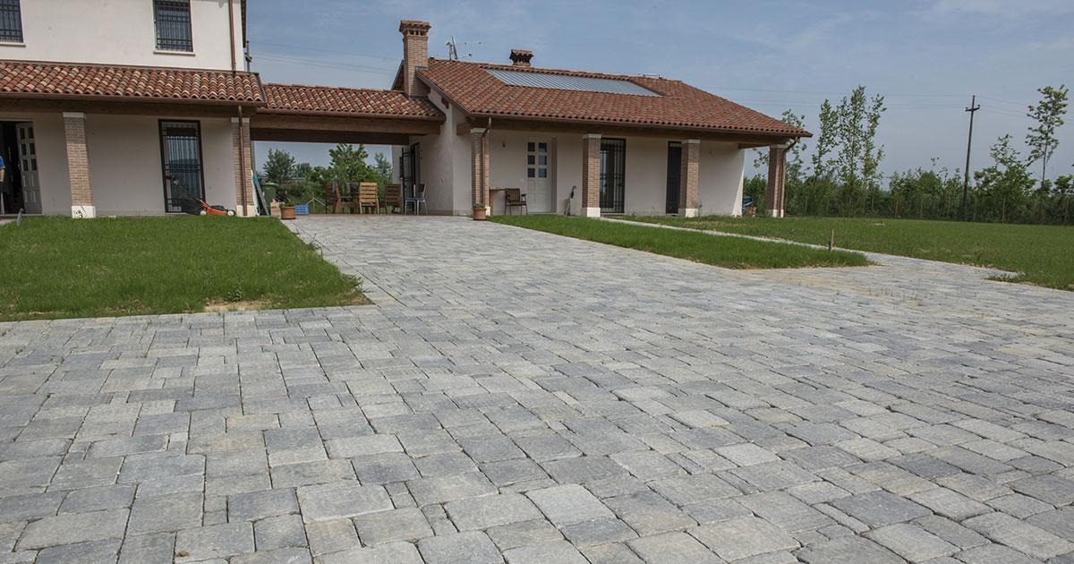 Pavimenti per esterni in cemento e in porfido  Vorabbi Enrico