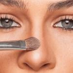 Cómo hacer más pequeña la nariz con maquillaje