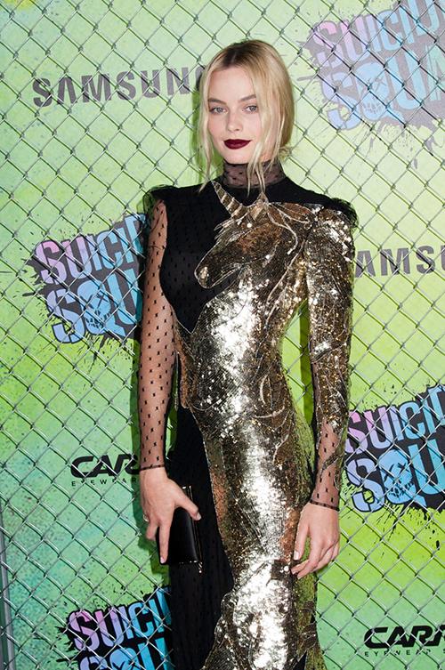 Margot-Robbie-Suicide-Squad-World-Premiere-Red-Carpet-Fashion-Alexander-McQueen-Tom-Lorenzo-Site-1