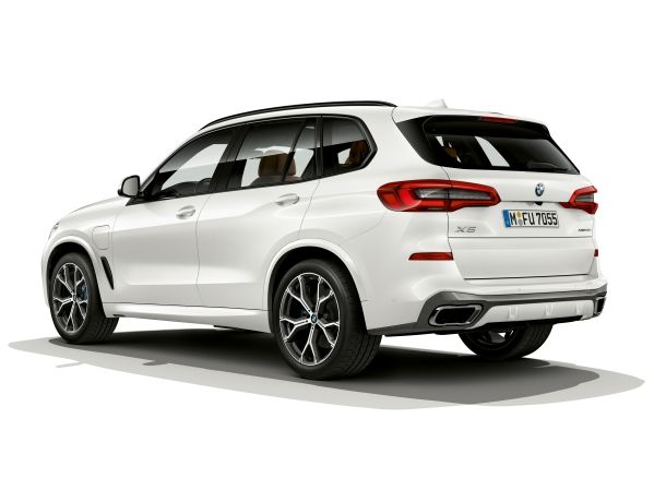 P90320132_lowRes_the-new-bmw-x5-xdriv