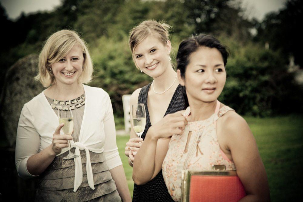 Vælg brudepiger og brudesvende der har råd til opgaven