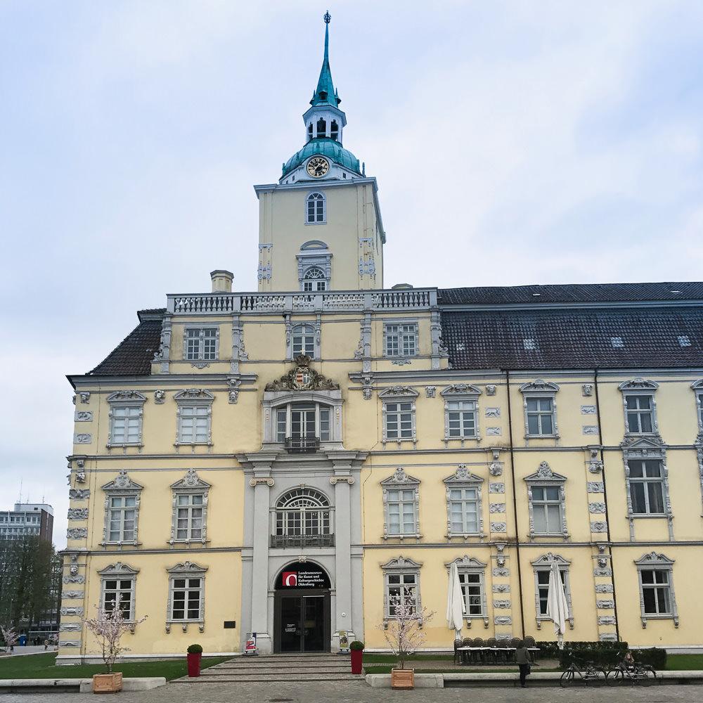 Oldenburg Schlossplatz Wochenende
