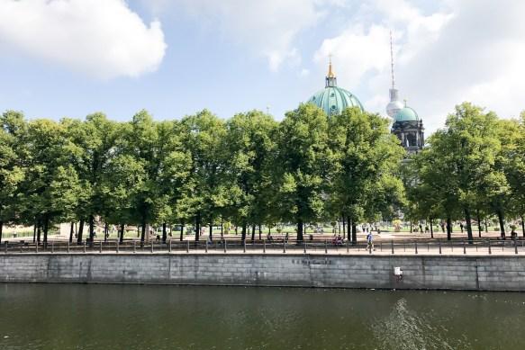 berlin spree sommermomente tour deutschland mit rotkaeppchen fruchtsecco