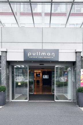 pullman hotel dresden newa eingang