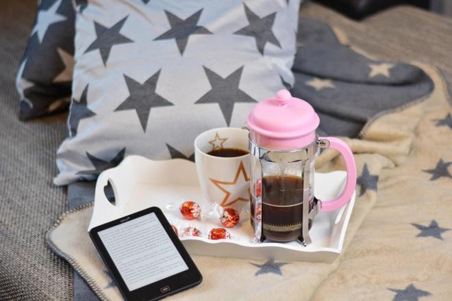 erwin mueller gemuetlicher winternachmittag kaffee