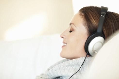 binaural beats for depression-min