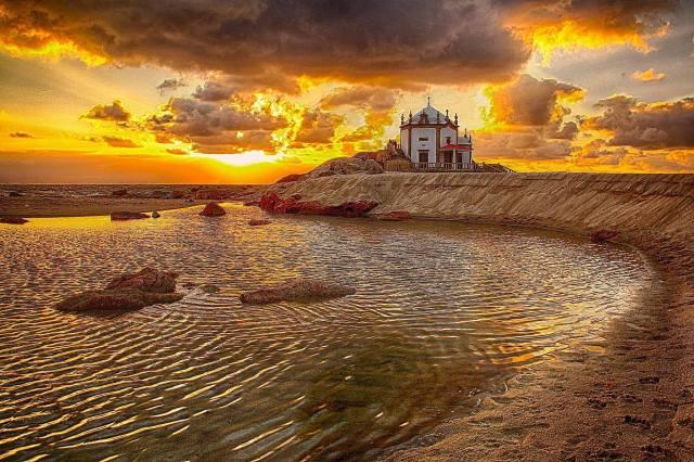 Senhor da Pedra, Gaia - Paulo Torres