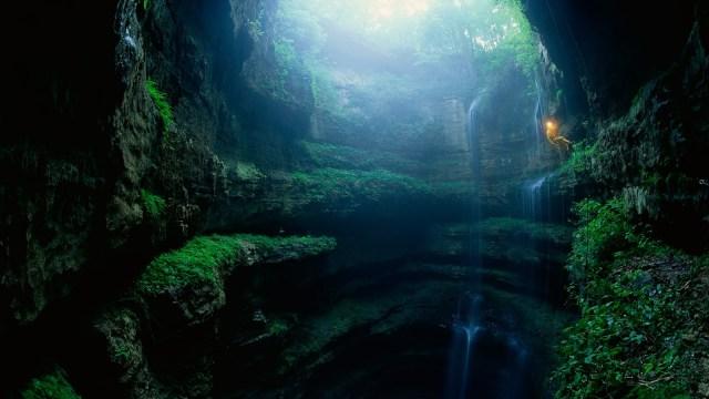Cave of the Swallows – Aquismon,México