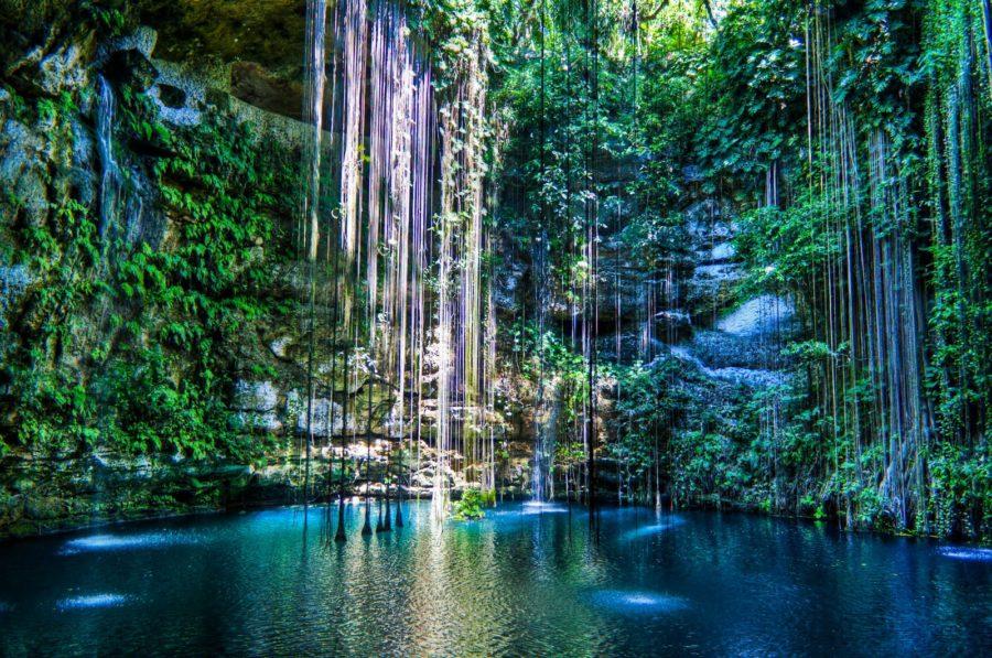 Cenote Ik Kil, México