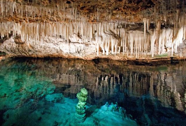 Fantasy Cave –Bermudas