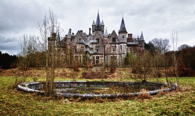 Castelo Miranda, Houyet, Bélgica