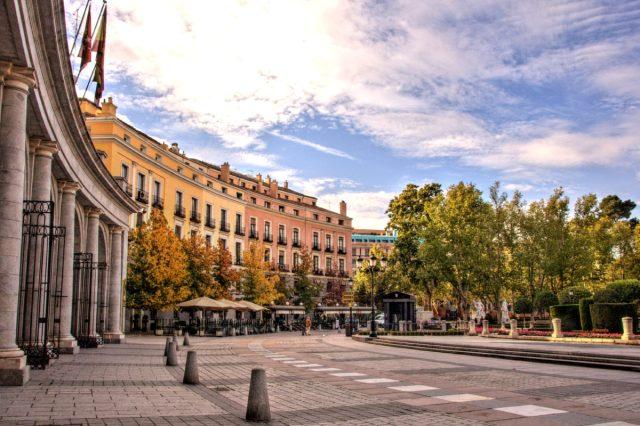 Praça do Oriente